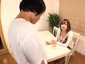 Mikoto Kisaki gives a good titjob with her huge boobs