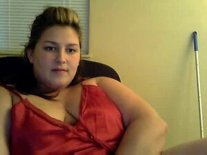 Chubby chick sucks toy on webcam