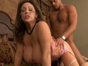 Crummy Kandi Cox prefers strong fresh cocks