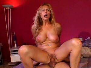 Miltf 31- milf babe drilled very hard by a hard cock !