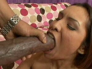 Sluty cock slut Nataly Rosa gets her mouth stretched out by a enourmous dick