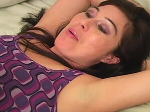 Hot Ashley Blue gives armpit job to a guy in the bedroom