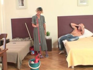 Cleaning woman gets her pussy filled with hard meat