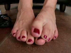 I bought myself some new nail polish for my lovely feet