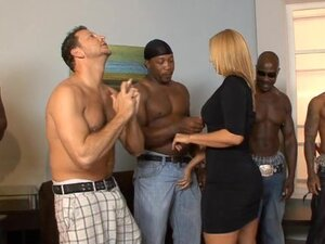 Bi-racial thugs beg for hot milf Mellanie Monroe to fuck but she only chooses 1