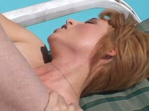 Gorgeous milf cums to life at the pool