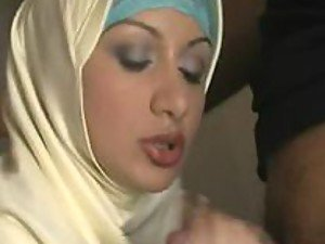 A stunning Arab hottie sucks her man's wang like an absolute pro and then fucks
