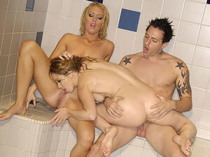 Hot threesome in shower