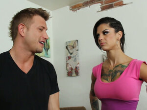 Pissed off girlfriend Bonnie Rotten wants to take revenge on her boyfriend