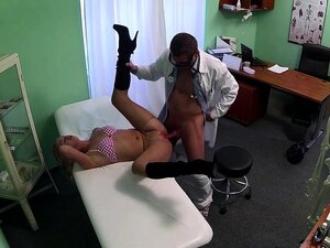 Sexy patient fucking her fake doctor