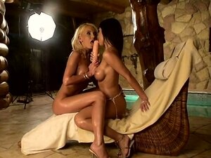Oiled Up HoT as fuck lesbian broads