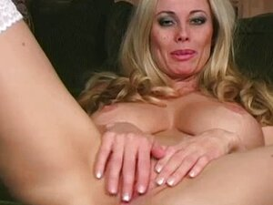 Anita Dark teaches jerk off tips