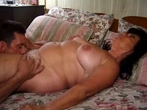 Chunny Mature Grannie fucked with a Nice  handjob finish