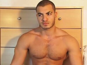 Handsome masculine arab sport guy get wanked his huge cock by a guy !