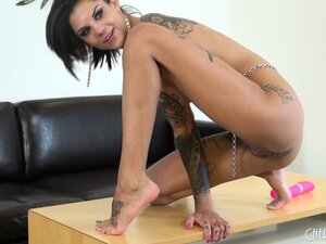 Watch inked porn superstar Bonnie Rotten play with herself in a solo video