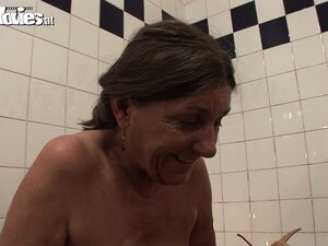 Chubby old grannies enjoy toys in their fat furry muffins in the bath