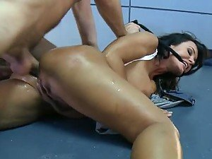 Forcing Lisa Ann Talk With a Rough Fucking