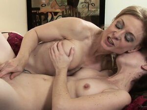 Two amazing babes are going to be surely satisfied by each other