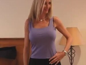 She is one of the sexiest amateur hotties getting fucked in bravotube