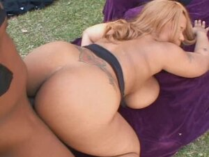Outdoor ebony BBW hardcore sex