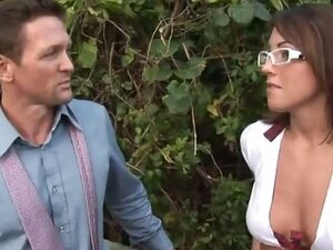 Tight Bella Turns A Negative Day Into A Positive Fuck