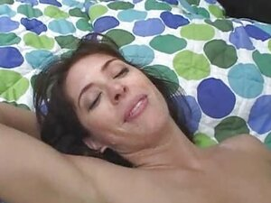 Vocal MILF creampie