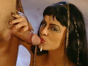 Egyptian Slut Sandra Russo Loving a Hardcore Anal Sex And Facial