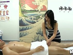Before a massage session prepossessing as hell Evelyn Lin demands to be banged very fierce in slow motion with animal force. Virgin desires of masturbating her puss, take a look