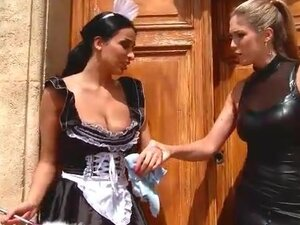 French maid submits to sexy leather mistress
