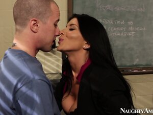 Romi Rain seas nothing special in humping the complete stranger