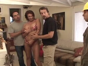 Vanessa Videl the Stunning Mexican gets gangbanged
