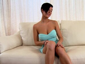 Tanned brunette Emylia Argent in a gorgeous solo-video