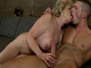 Hairy granny pussyfucked and sucks cock