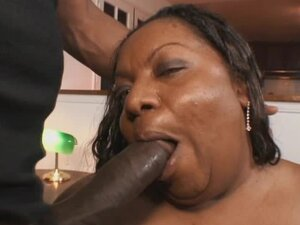 Black super BBW fucked in the vagina