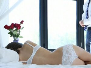 Arousing beauty enjoys a true man