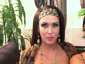 Jessica Jaymes and Tiffany Brookes are having sex