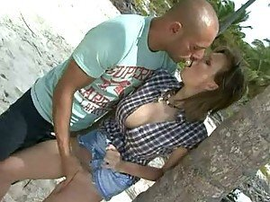 Blowjob and Hardcore Anal Sex At The Beach By Tarra White