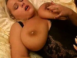 Chubby bitch gets dildoed by hot brunette