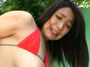 Gorgeous Japanese girl gets a dicking out in the garden