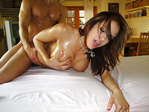 Mulani has been one of the finest looking brawds I've given my very special massage to. She had some awesome titties and her pussy was so fucking sweet it reminded me old the good old days. Getting her all oiled up got her really wet..