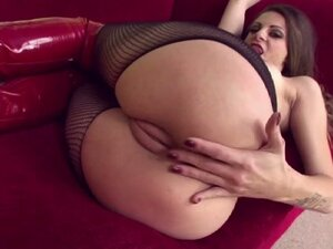 Brunette milf teasing her ass hole