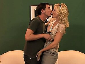 Milf Holly Sampson seducing young guy