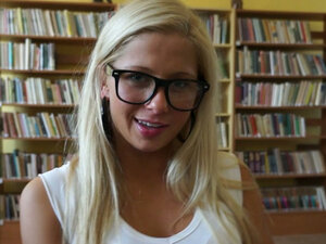 Beautiful nerdy babe Candy Hot gives a head at the library