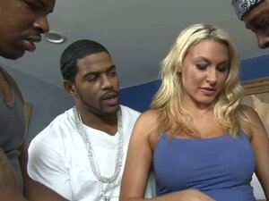 Blonde Tramp Gets A Glorious Gangland Cream Pie