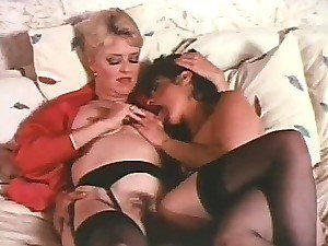 Juliet Anderson and Rita Ricardo are Sexy Retro Lesbians