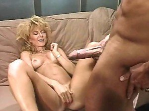 Sexy Nina Hartley gives a love lesson to Peter North