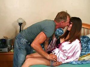 Young brunette izy bella blue and hunk in double blowjob