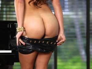 Innocent babe Cristal Cray takes off her leather shorts