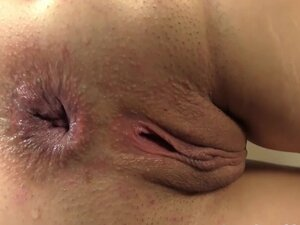 Gina Gee Anal and Pussy Stretch
