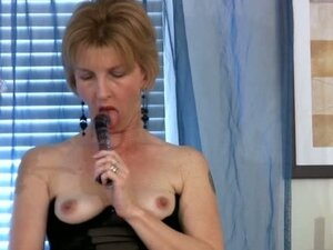 Mature Housewife Dildo Fuck